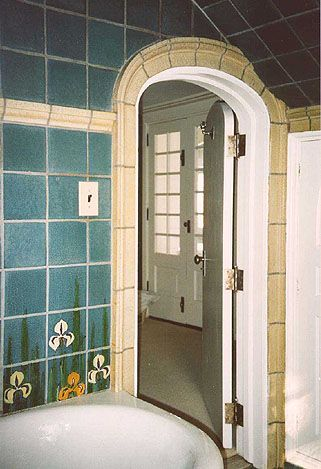 Grueby Bathroom Preserved Two Red Roses Foundation